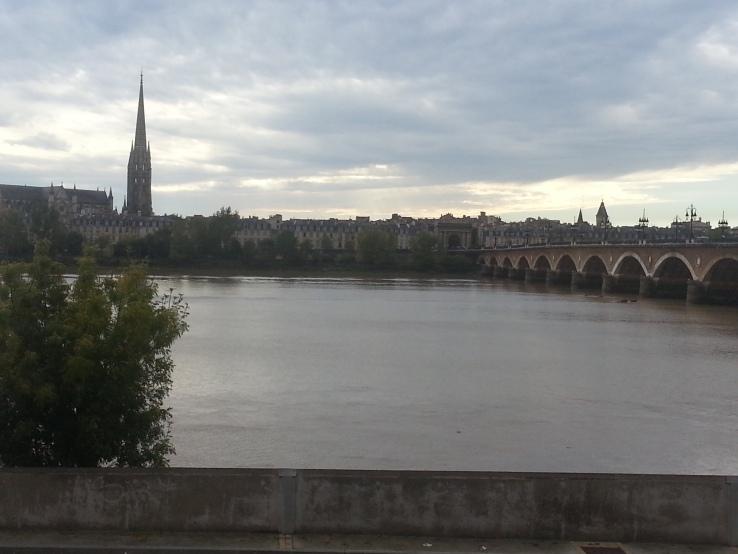 burdeos desde el rio